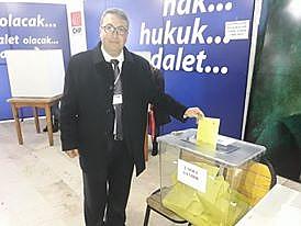 Yeni Merkez İlçe Başkanı Ali Uyanık Oldu.