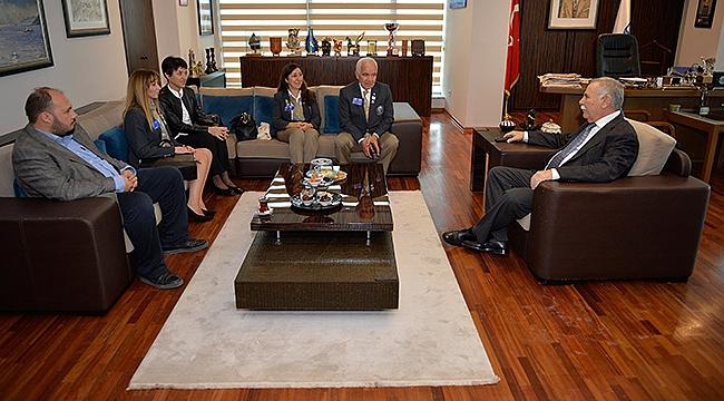 Rotary Bölge Guvernörü Demir'den Başkan Gökhan'a Ziyaret…