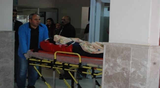 Bayramiç'te otomobil ile motosiklet çarpıştı, 1 yaralı
