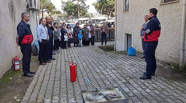 Biga Sağlık Müdürlüğüne Yangın Söndürme Eğitimi Verildi