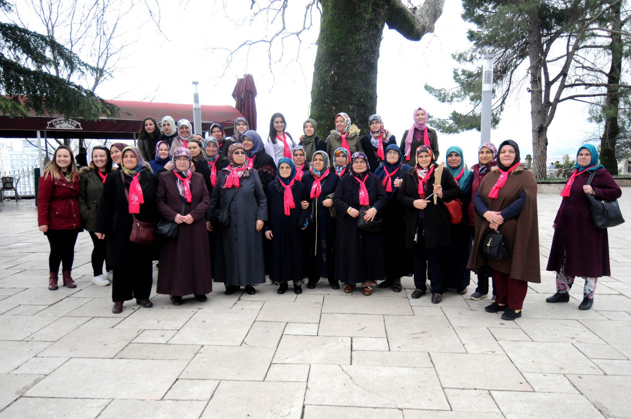 Çan Belediyesi'nden 1500 kadına Bursa gezisi