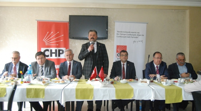 CHP Bayramiç İlçe Yönetimi, muhtarlarla kahvaltıda buluştu