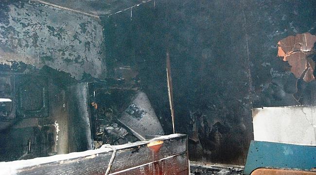 Yangında 2 İşyeri Maddi Hasar Gördü