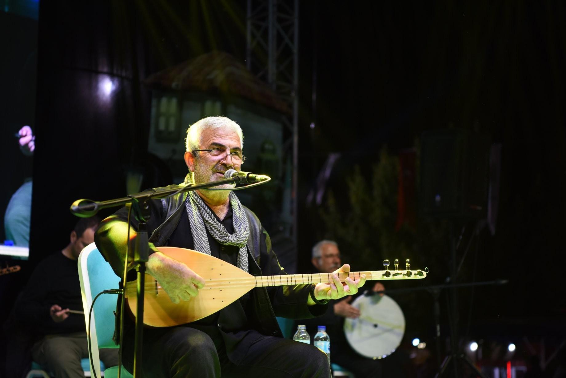 Çan Belediyesi'nden 19 Mayıs'a özel Esat Kabaklı konseri