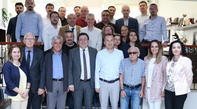 Çanakkale Milletvekili Av. Muharrem Erkek'ten Çanakkale Barosu'na Ziyaret