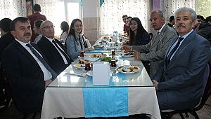 İl Millî Eğitim Müdürü Osman Özkan Çanakkale Anadolu Lisesi 12. sınıf öğrencileriyle kahvaltıda buluştu