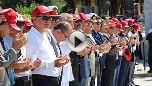 Gelibolu'da Şehitler Abidesi'nde Tören Düzenlendi