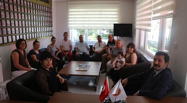 Vali Orhan Tavlı, Türkiye Gaziler ve Şehit Aileleri Vakfı Çanakkale Şubesini Ziyaret Etti