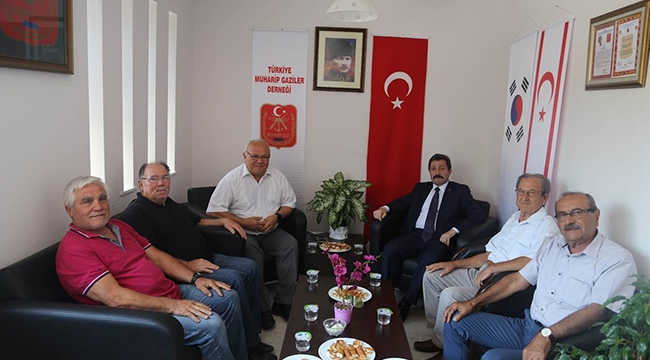 Vali Orhan Tavlı, Türkiye Muharip Gaziler Derneği Çanakkale Şubesini Ziyaret Etti