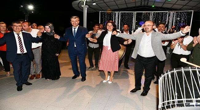 AK Partili vekiller düğüne katıldı