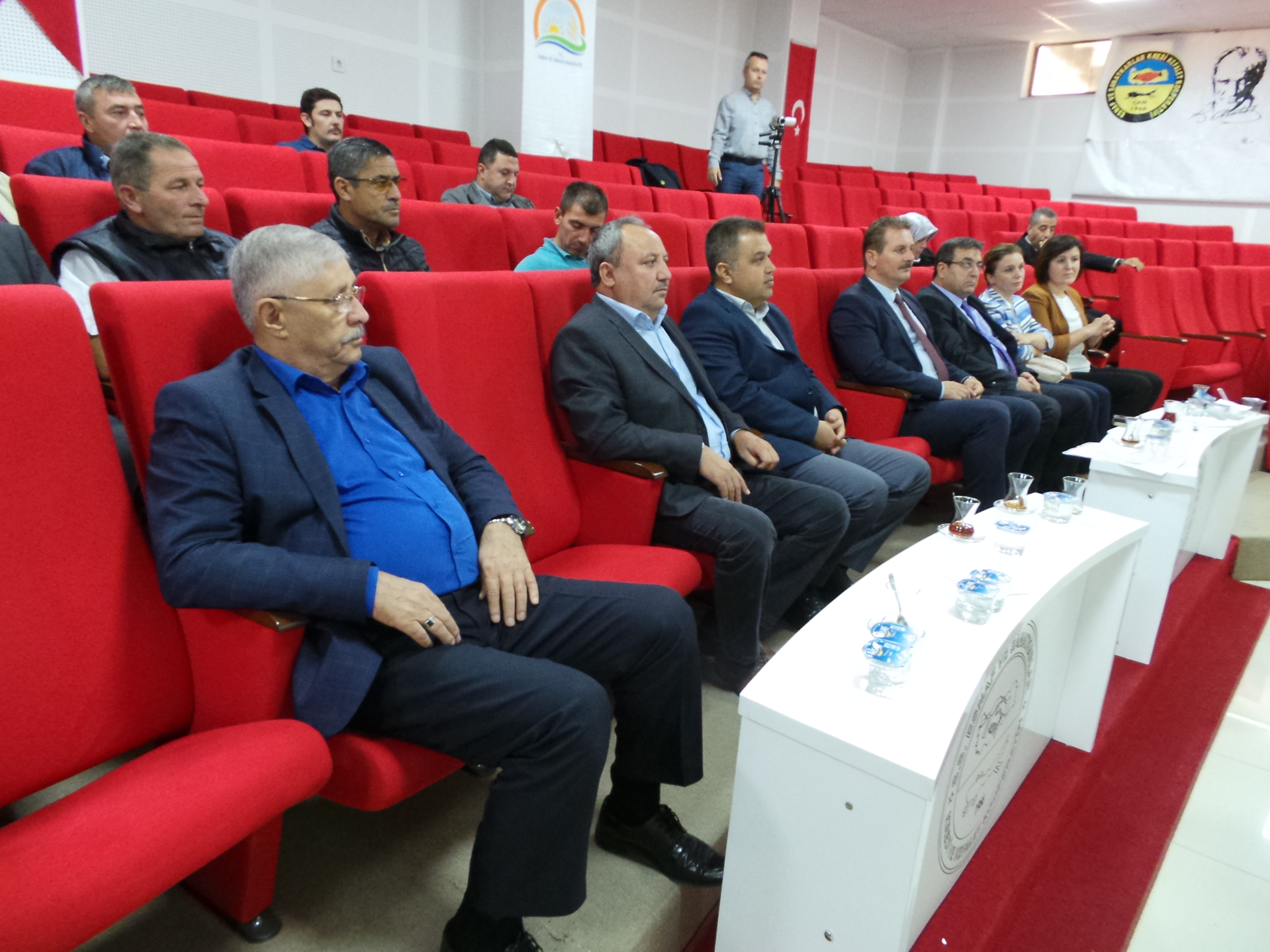 Çanlı Üreticilere Hububattaki Ekim Alanlarının ve Verimin Arttırılması Konulu Konferans Verildi