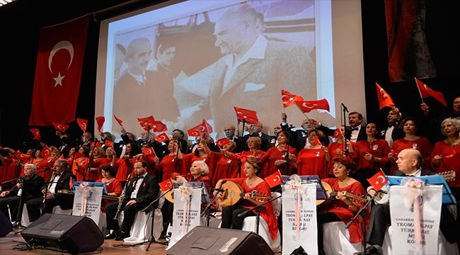 Teoman Alpay Sanat Müziği Korosu Atatürk'Ün Sevdiği Şarkıları Seslendirdi