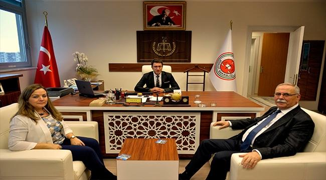 Başkan Gökhan'dan İdare Mahkemesi Başkanı Akçer'e Nezaket Ziyareti