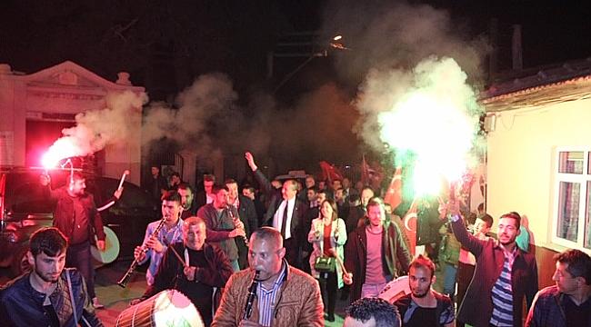 ŞEHİTLİK'TE YER GÖK 'BİZİM İSMAİL' SLOGANIYLA İNLEDİ