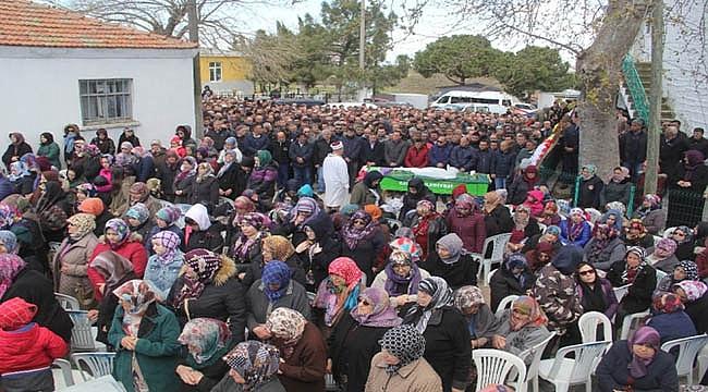 TRAFİK KAZASINDA HAYATINI KAYBEDEN ÖĞRENCİ GÖZ YAŞLARI İÇİNDE TOPRAĞA VERİLDİ