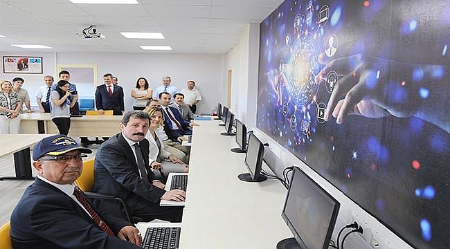 """""""ÇANAKKALE E-TİCARET İLE KALKINIYOR """" PROJESİNE GMKA'DAN DESTEK"""