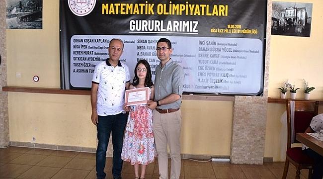'MATEMATİK OLİMPİYATLARI'NDA DERECEYE GİREN ÖĞRENCİLER ÖDÜLLENDİRİLDİ