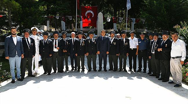 LAPSEKİ'DE 15 TEMMUZ KUTLAMALARI YAPILIYOR