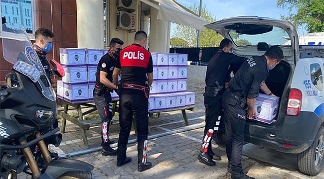 BİGA POLİSİNDEN RAMAZAN'DA GIDA DESTEĞİ
